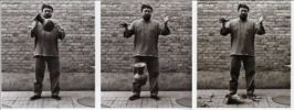 Dropping a Han Dynasty Urn 1995 Z/W-triptiek door Ai Weiwei