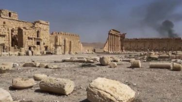 IS verwoest standbeelden in Palmyra. Foto (c) AP
